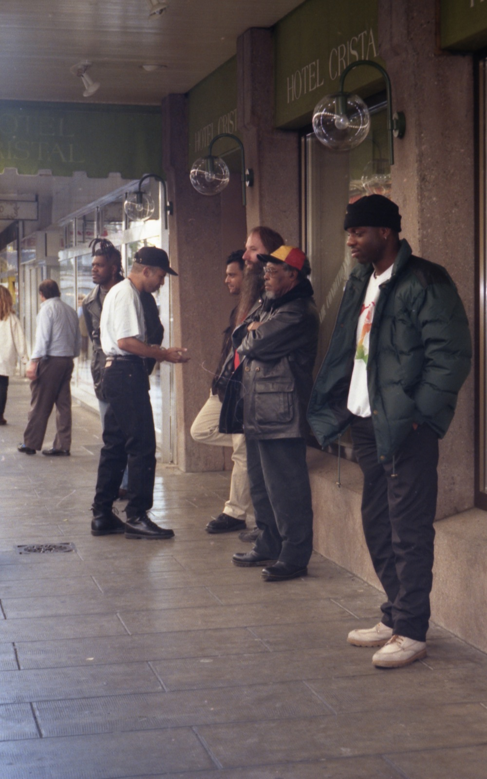 Kirk Thorne, Nathan Breedlove, Vin Gadher, Barney, Lloyd Knibb, Tony Looby, outside Hotel Crista, Geneva 1996