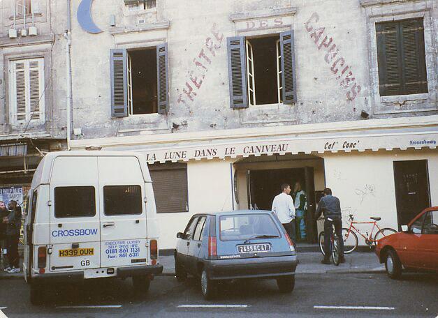 Entrance of La lune dans le caniveau, Bordeaux 1996