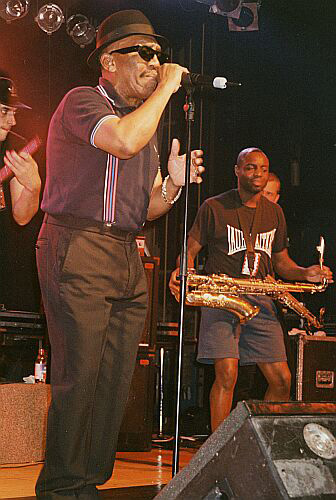 Laurel Aitken & House Of Rhythm (Tony Looby in the background), Palladium Geneva 1996