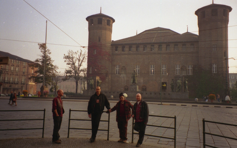 Bill Smith, Rolando Alphonso, Jeremy, Jeff Lucas and Ras Claude on the walk through Torino 1996