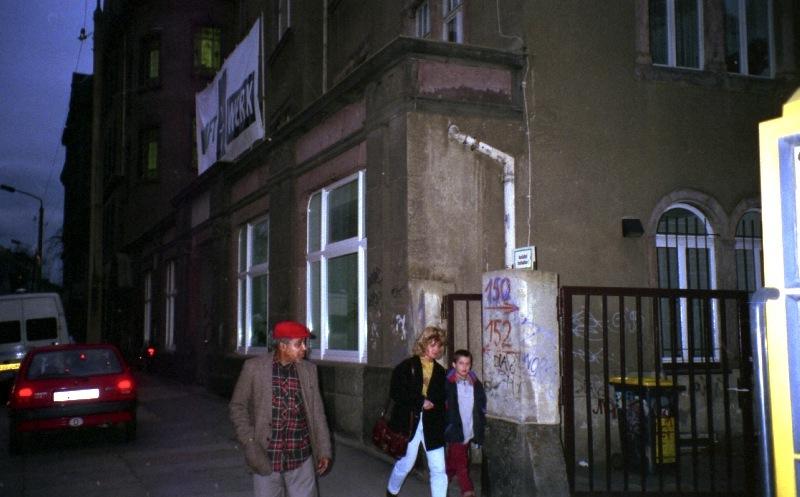 Rolando Alphonso outside Kraftwerk, Chemnitz 1996