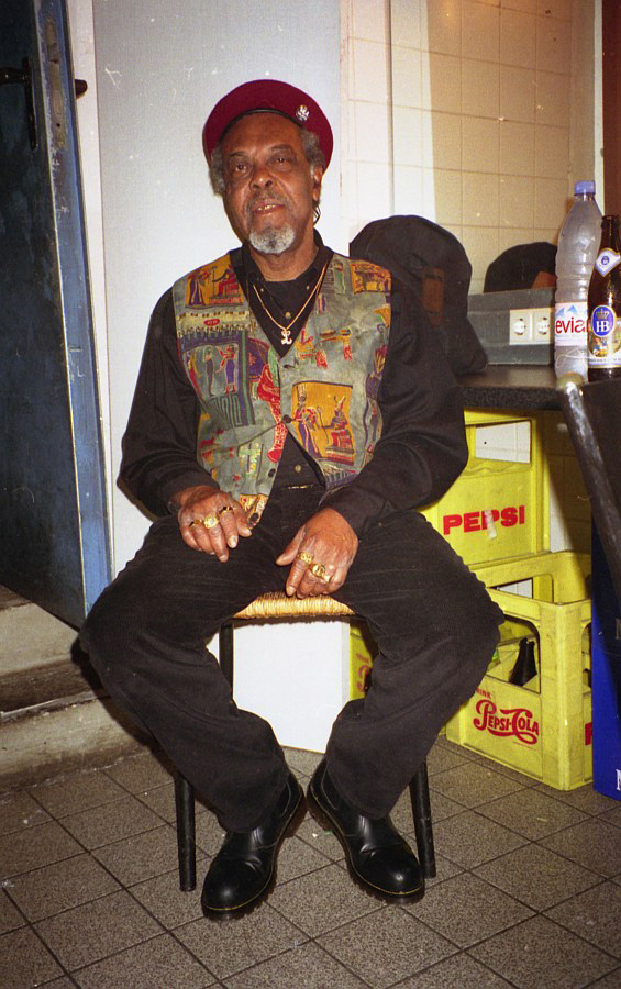 Lloyd Knibb backstage at Muffathalle Munich 1996